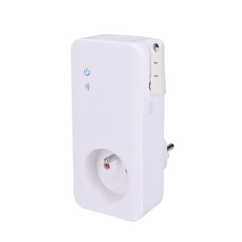 Dálkově ovládaná zásuvka Solight GSM